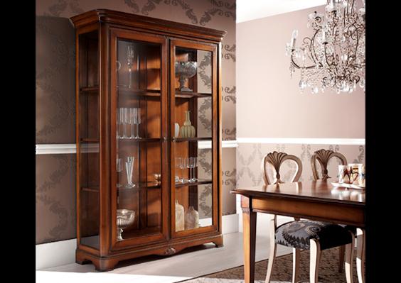 Complementi d 39 arredo tavoli armadi a milano e in for Produzione mobili classici